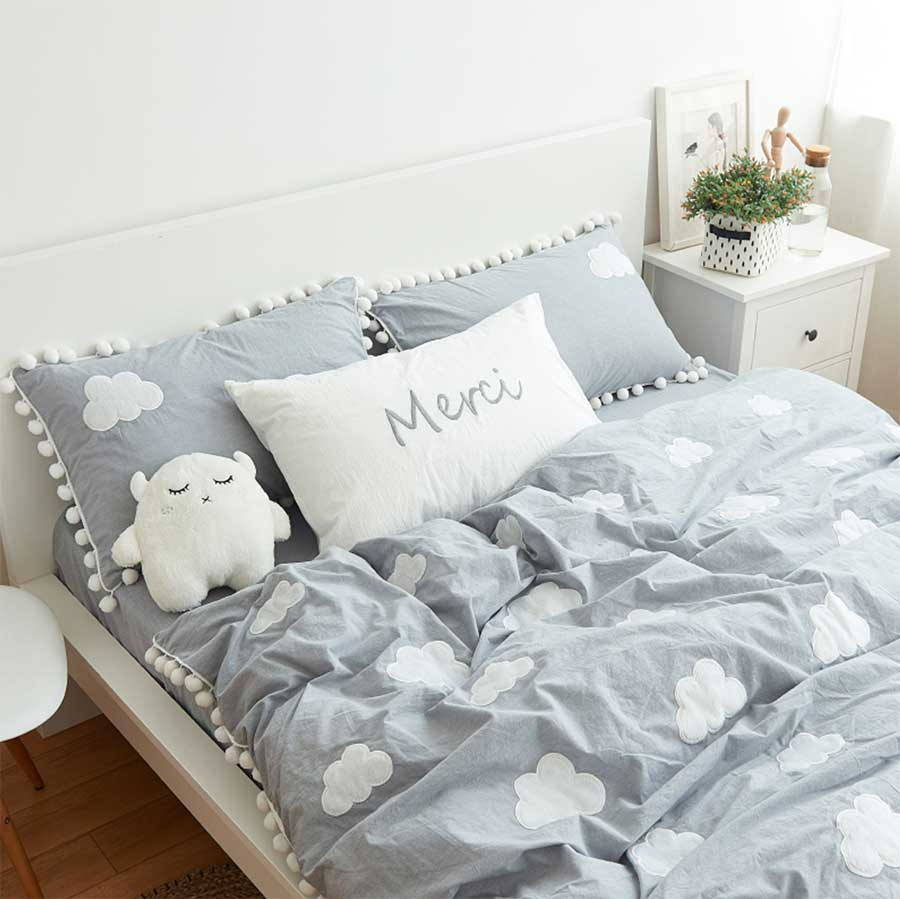 Image of: Queen Cloud Bedding Set