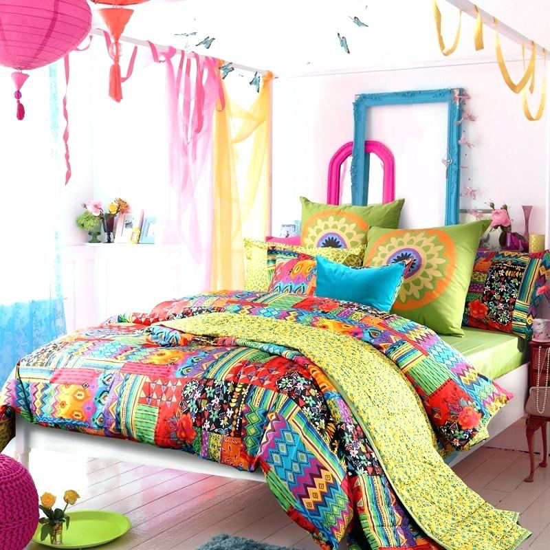 Image of: Queen Colorful Bed Sets