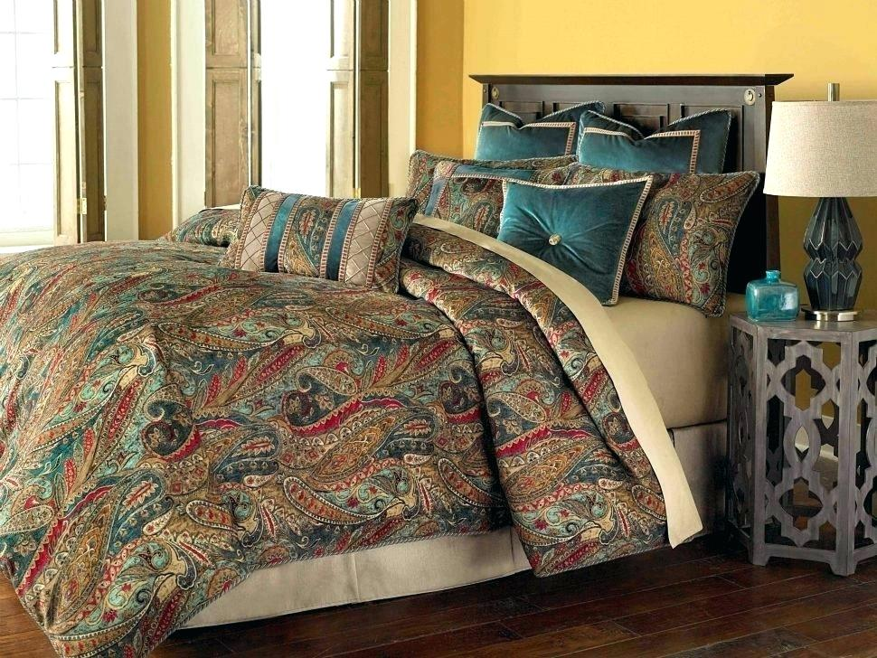 Image of: Queen Size Camouflage Bedding