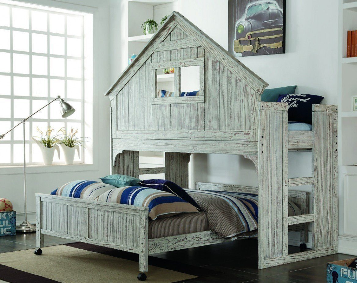 Image of: Queen Size Treehouse Loft Bed