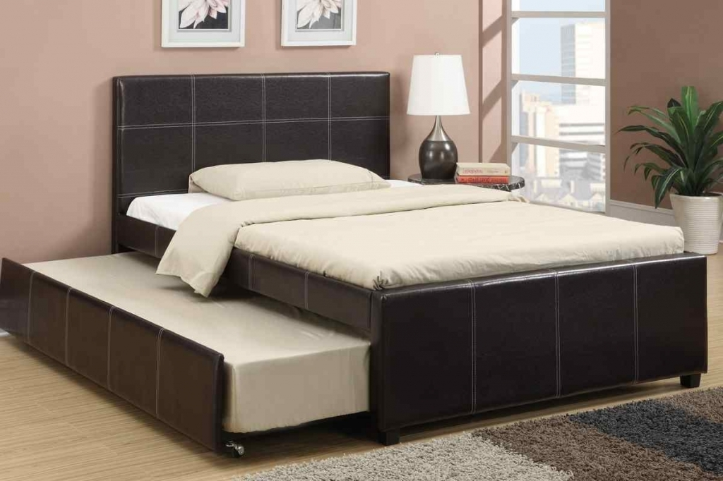 Image of: Queen Trundle Bed and Stairs