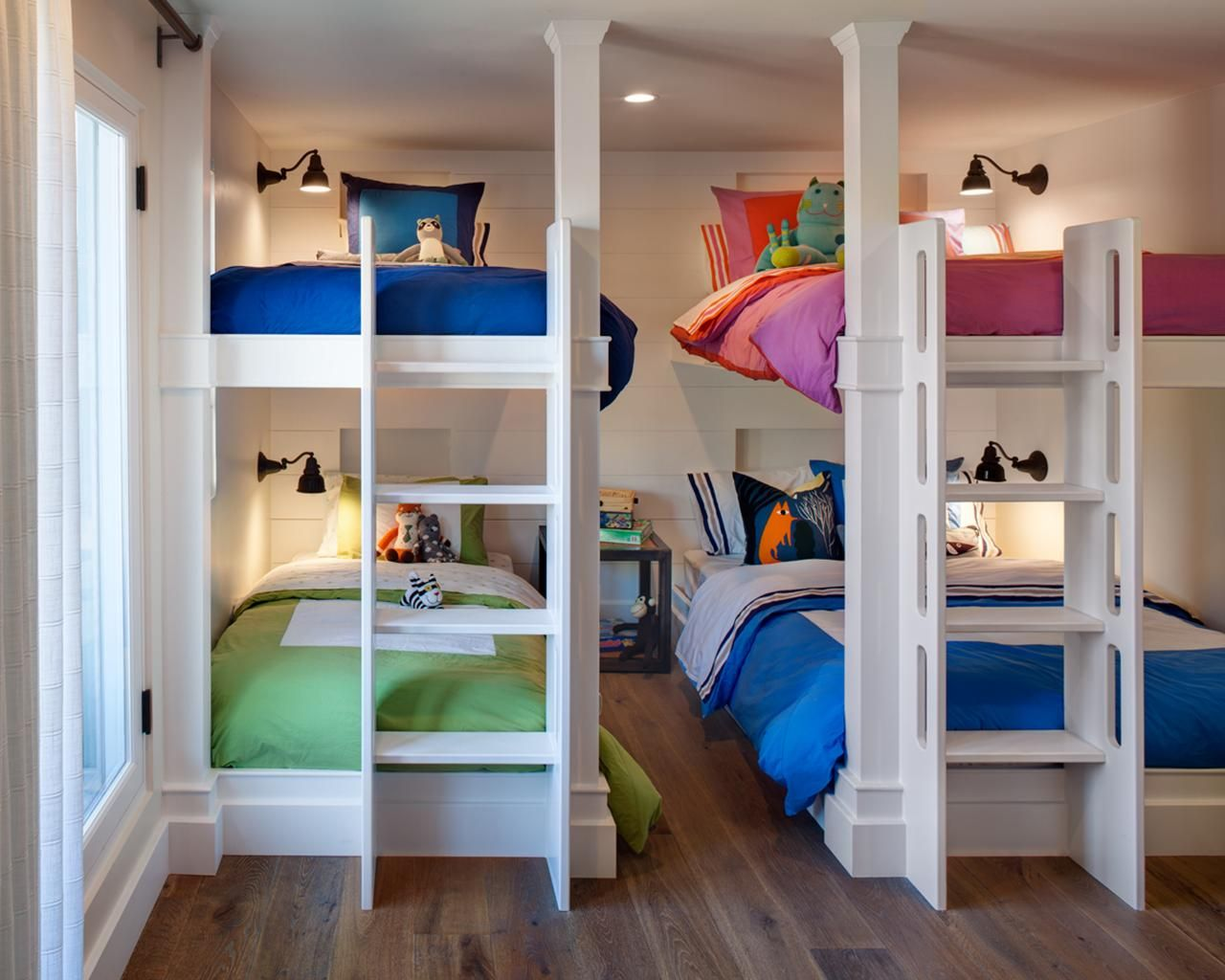 Image of: Rooms to Go Kids Bunk Beds with Storage