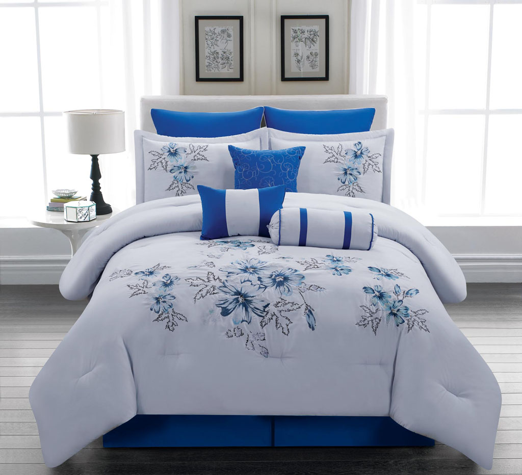 Image of: Royal Blue and White Bedding Sets