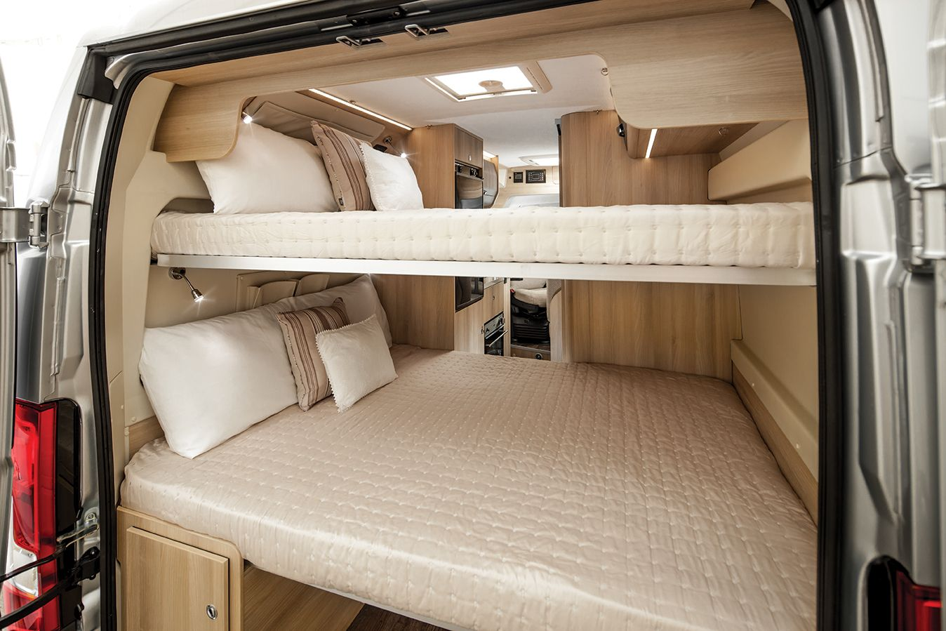 Image of: Rv With Bunk Beds Advantages