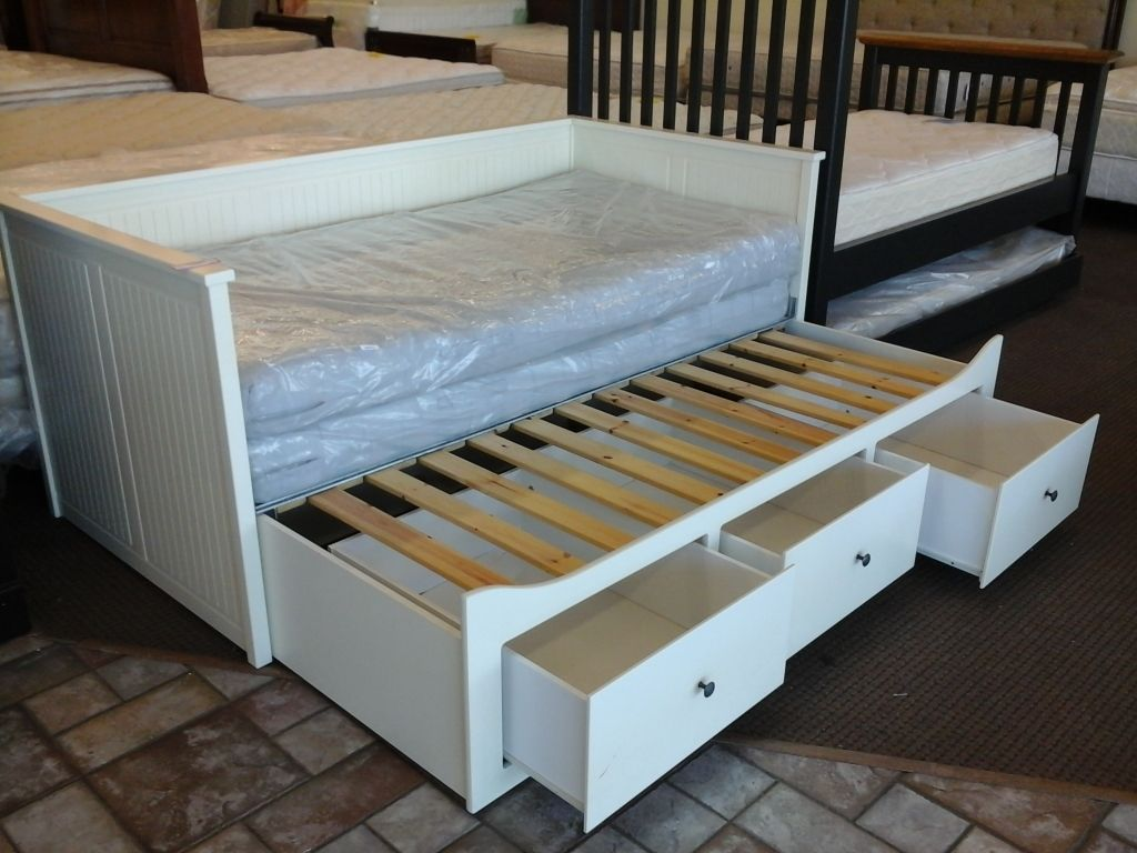 Image of: Storage Trundle Day Bed