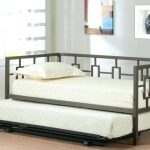 Stylish Daybed With Pop Up Trundle Bed