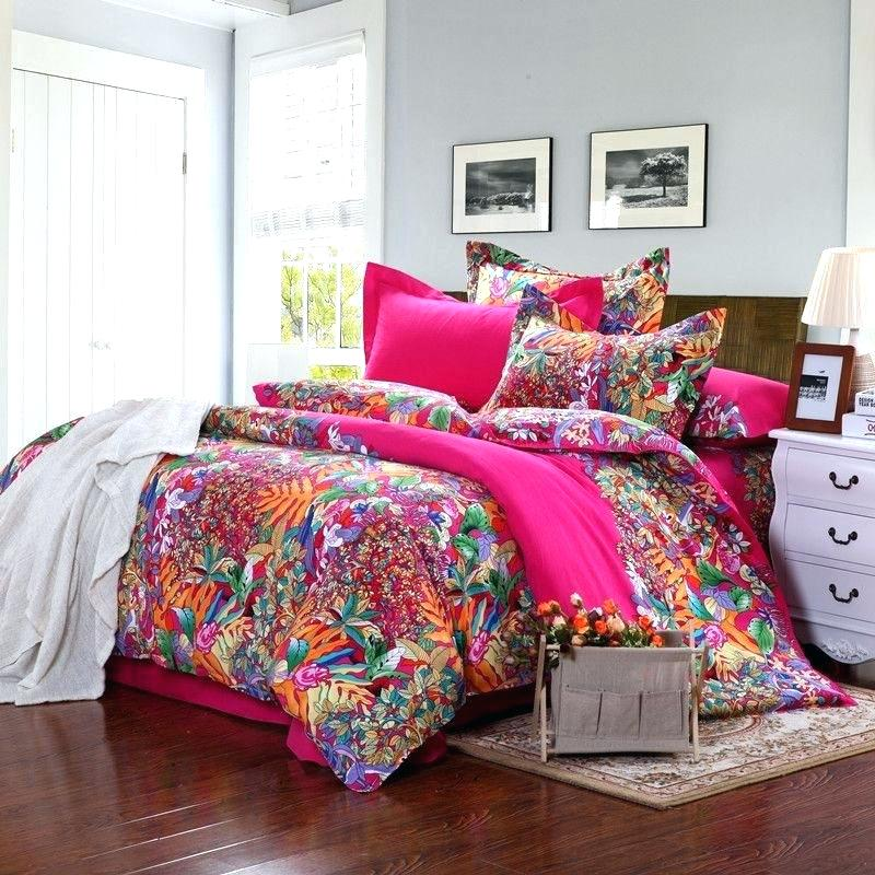 Image of: Teen Bright Colorful Bedding Sets