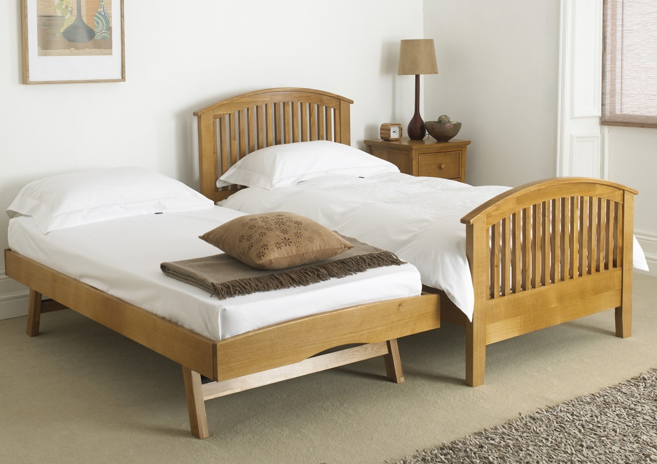 Image of: Traditional Full Size Trundle Beds for Adults