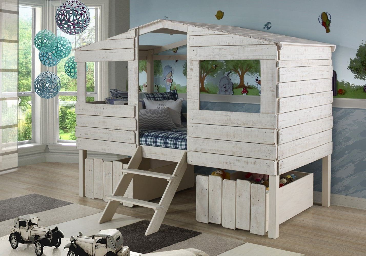 Image of: Treehouse Loft Bed Queen