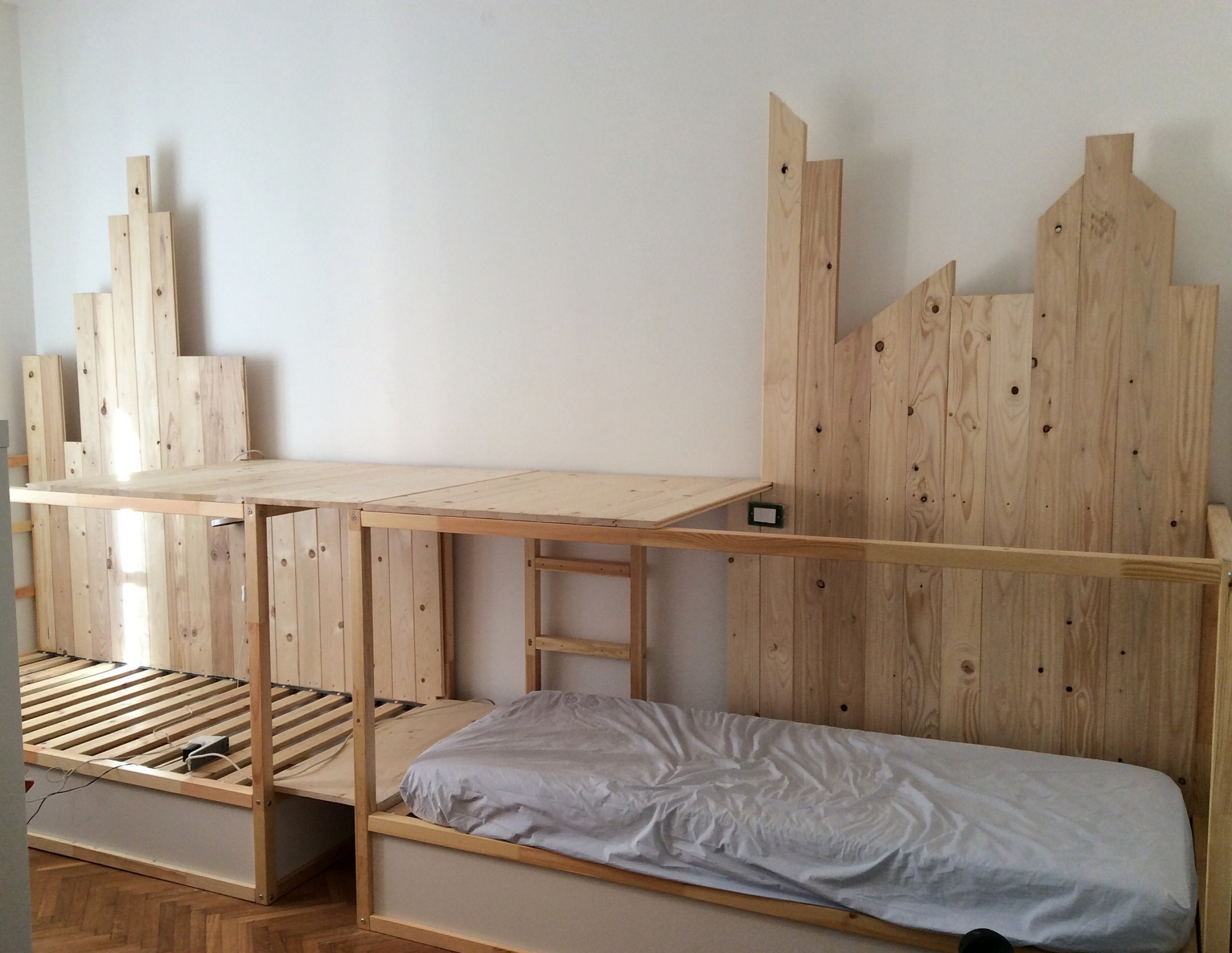 Image of: Triple Bunk Bed IKEA Plans