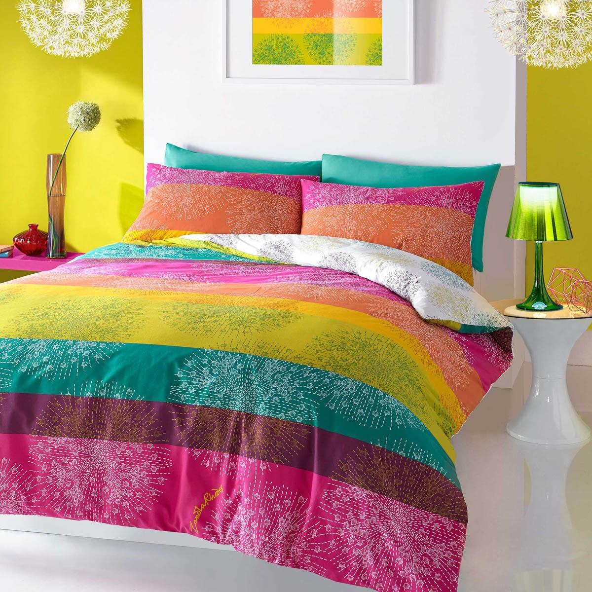 Image of: Use Bright Colorful Bedding Sets