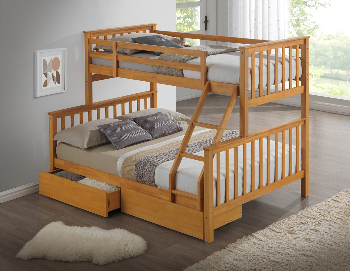 Image of: Wood Three Bed Bunk Beds