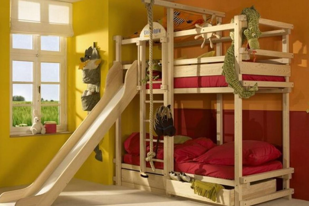 Image of: Wood Toddler Bunk Bed with Slide