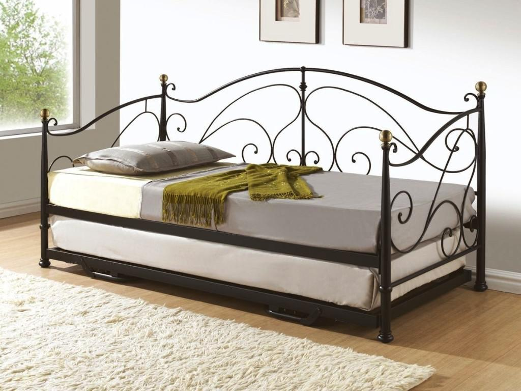 Image of: Wrought Iron Trundle Beds